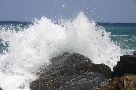 waves-and-rock